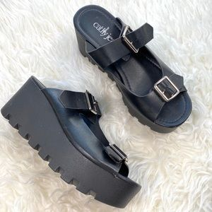 Cathy Jean 90's Style Chunky Platform Sandals